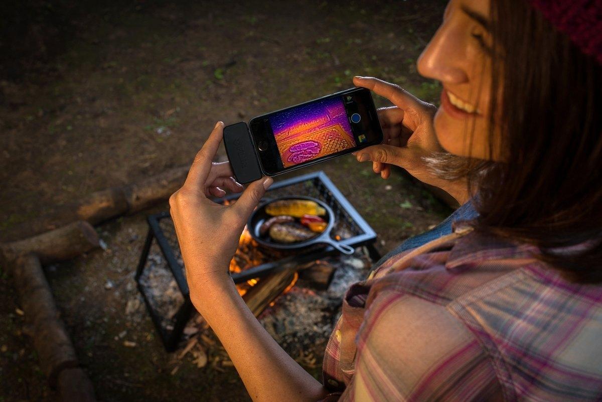 Ios Android対応の赤外線サーモグラフィ汎用ユニット Flir One